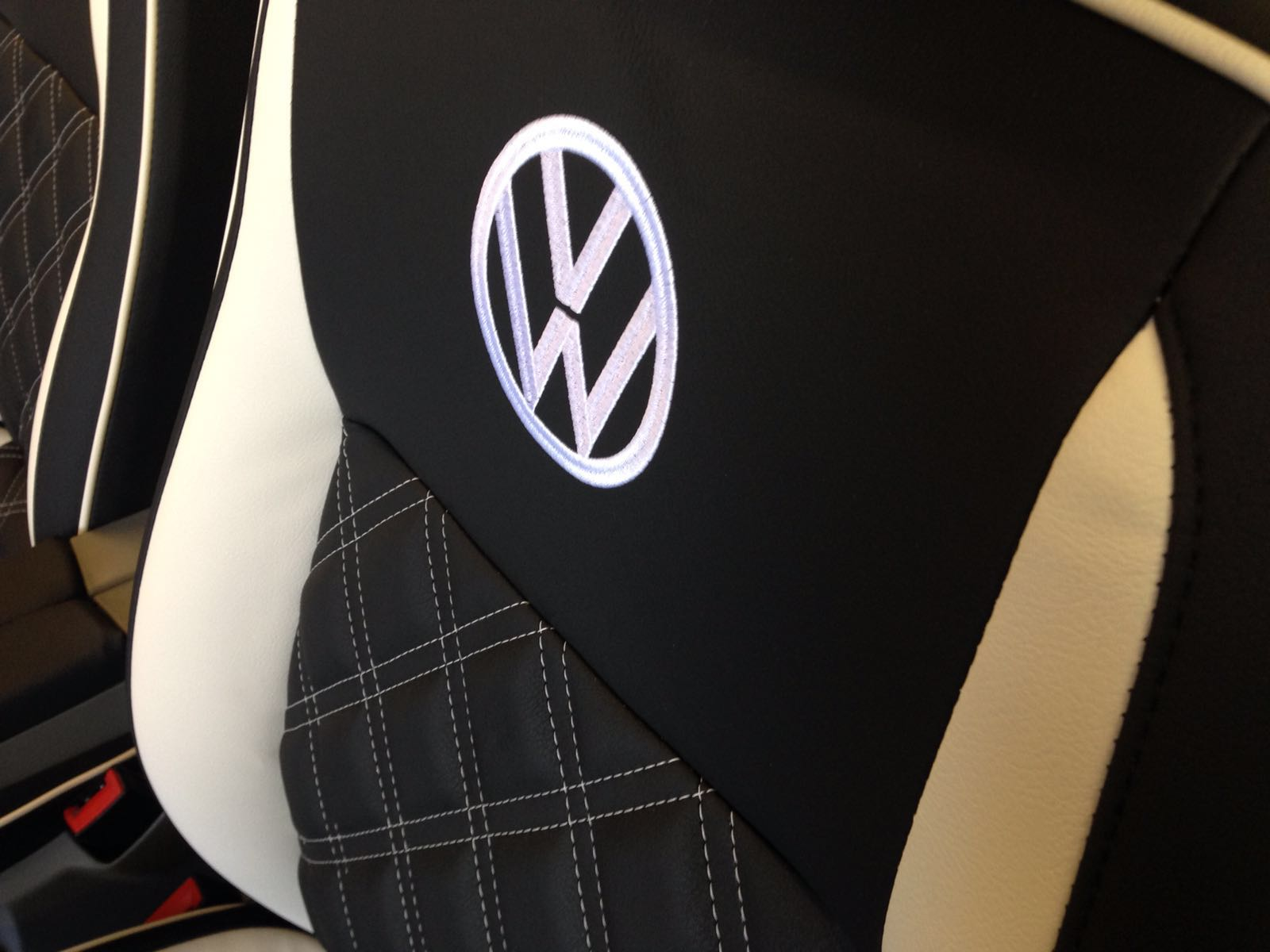 CSG Trimming Southampton - black and white VW seat retrim